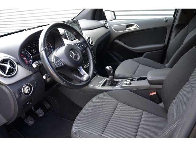 """Mercedes-Benz B-klasse 180 d BlueEFFICIENCY Navigatie Led 17"""" Velgen"""