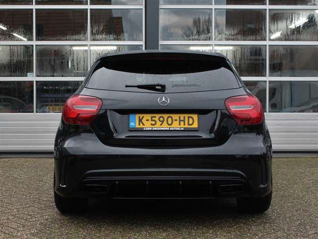 Mercedes-Benz A-klasse A45 AMG 4Matic Automaat (381PK Panoramadak Uitlaatklep Dynamic Select Verkeersbord Detectie Dodehoek Detectie Apple Carplay Adaptieve Cruise Control MET GARANTIE*)