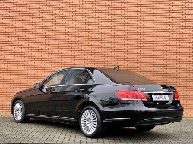 Mercedes-Benz E-Klasse 350 BlueTEC 4MATIC GUARD | Pantsering | Luchtvering | Protected | Armed | Cruise control | VR4 | ARMOURED | WERKSPANZER | Camera | Bluetooth | Automaat | Kogelvrij glas |