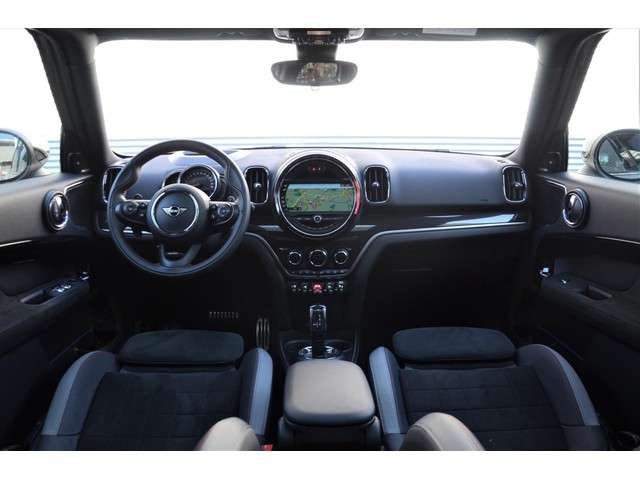 Mini Mini Countryman 2.0 Cooper S ALL4 JCW Panoramadak Trekhaak ACC Harman Kardon HUD Camera Navi