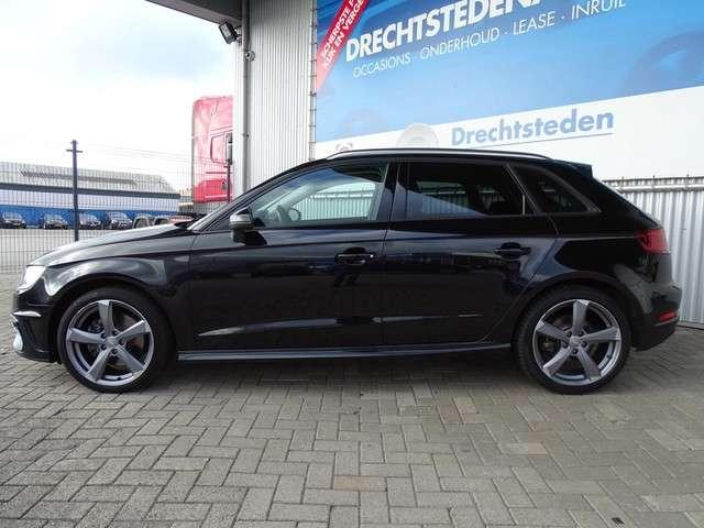 "Audi A3 Sportback e-tron 1.4 Keyless! Navi! 18""Inch! Parkeersensoren! Getint Glas!"