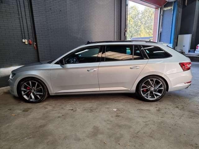Škoda Superb Combi 2.0 TDI Sportline Business DSG | RS-Stoelen | 19Inch | Elektr Klep | Canton | Carbon Afwerking | ACC | Achteruitrijcamera