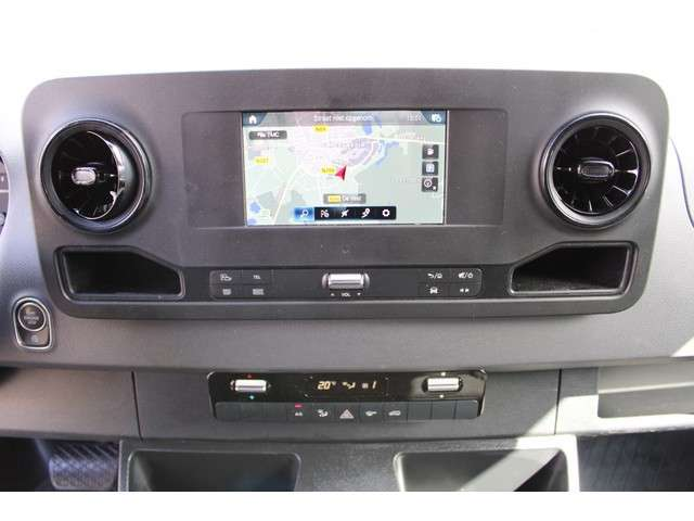 Mercedes-Benz Sprinter 316 CDI L2H2 3500 kg Trekhaak, 2 Schuifdeuren, Navigatie, Camera