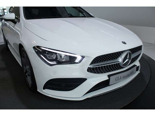 Mercedes-Benz CLA-Klasse Shooting Brake 180 Advantage AMG-Line   Licht- en zichtpakket   Easy-pack achterklep   Dodehoek assistent   Digitale radio  