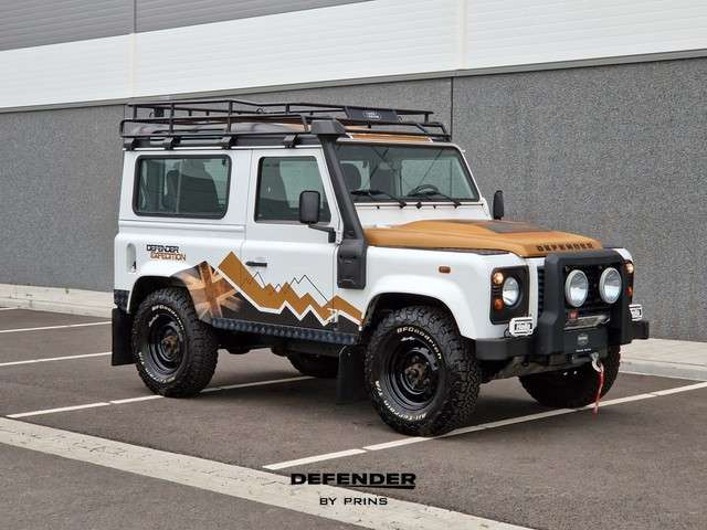 Land Rover Defender 2.2 TD4 90 Expedition   1 OF 100   UNIEK