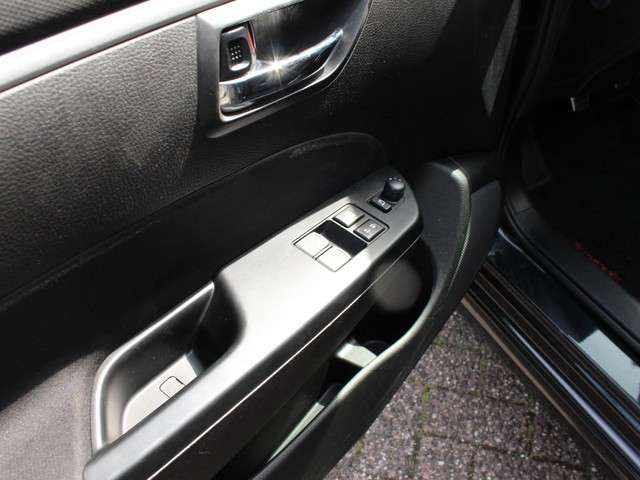 Suzuki Swift 1.6 Sport (Bluetooth, Airco Climate Control, Cruise Control, Boord Computer, Startknop, Sportstoelen MET GARANTIE*)